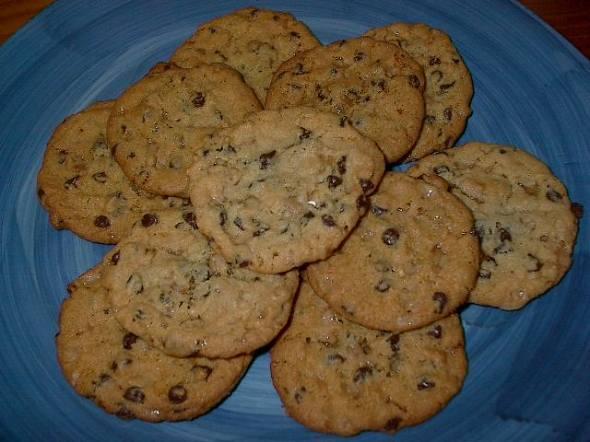 chocolate chip brickle cookies
