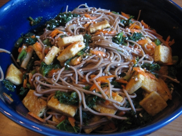 Soba Noodles with Kale and Tofu (640x480)