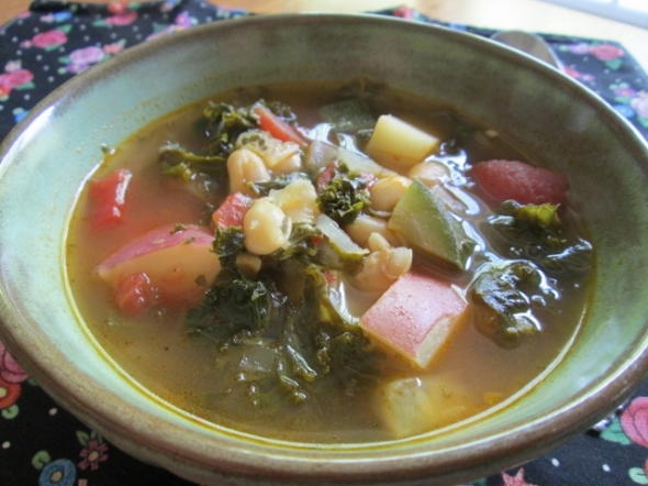 Kale and Cannellini Soup