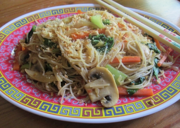 Stir-Fried Bok Choy and Tatsoi with Rice Vermicelli (640x455)