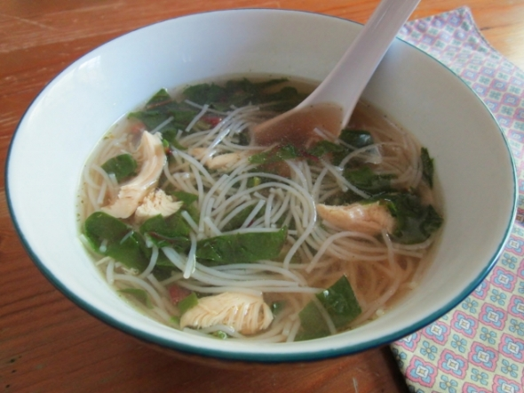 Vietnamese Chicken and Noodle Soup with Greens (640x480)