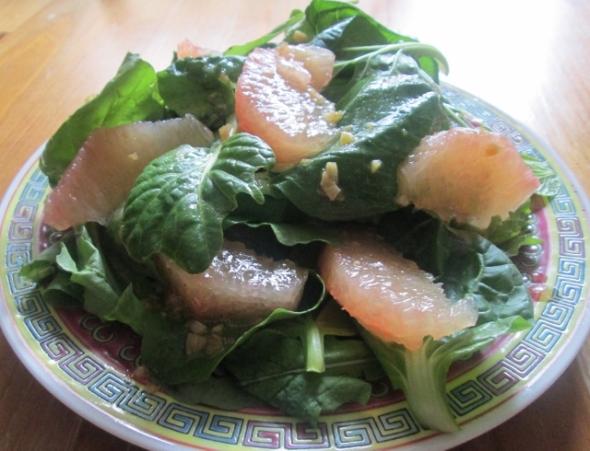 Arugula and Tatsoi Salad with Grapefruit (640x490)