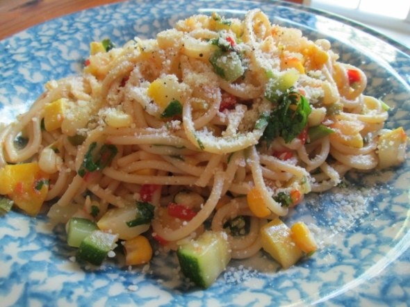 Spaghetti with Summer Vegetables (640x480)